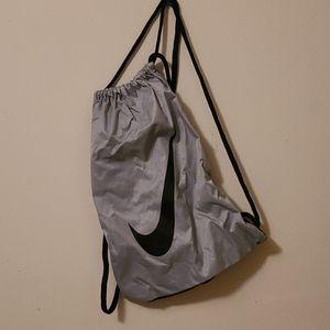 SALE -🌹3/$25 - Nike drawstring bag
